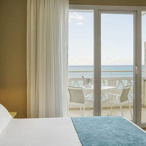 Superior room with sea views Hotel ILUNION Fuengirola Fuengirola