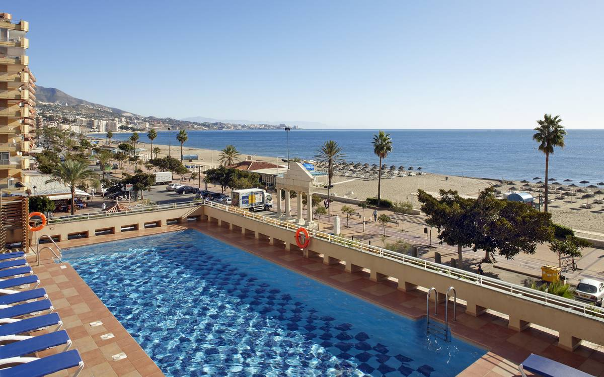 Right on the beach hotel ilunion fuengirola