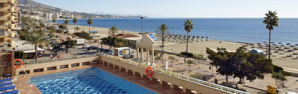 Outdoor swimming pool hotel ilunion fuengirola